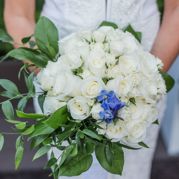 Bee Inspired Events - Something blue in her bouquet